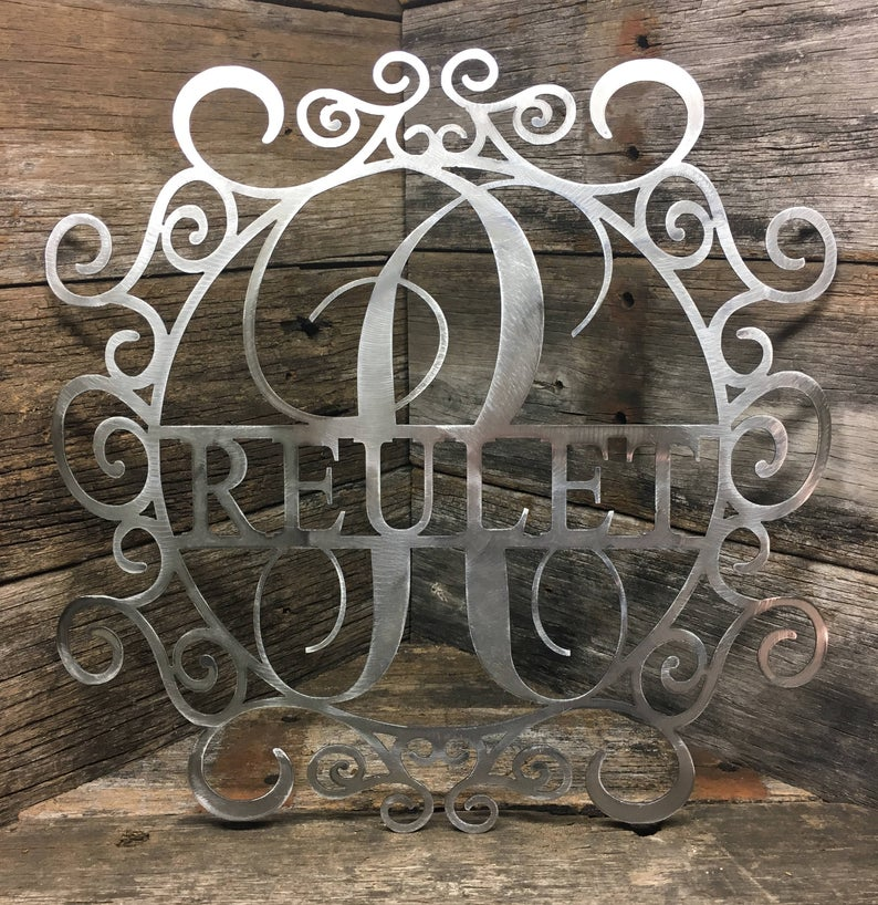 Handmade metal Monogram Fancy Small Circle Art that comes in 3 different sizes. Cut and crafted from 16 gauge USA steel.  100% American made. https://wowzaart.com/  #WallArt #MetalArtpic.twitter.com/l99ZmvKdJQ