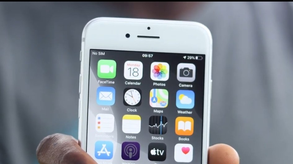 New video dropping in exactly 4 minutes. #iPhoneSE #iPhone8 #iPhoneSE2020pic.twitter.com/QjG3OILEIO