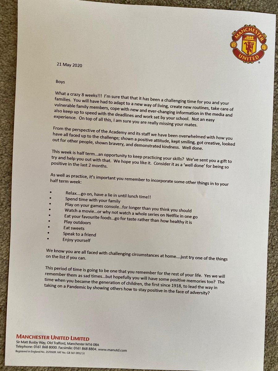 This letter from the #mufc academy staff to their young players. 💯   Each came with a football to practise with and a note from Bryan Robson.  Class! @ManUtd   #MUFC https://t.co/pKaa2T7lzO