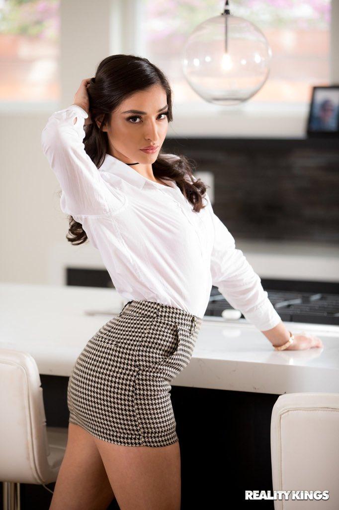 Emily Willis 3