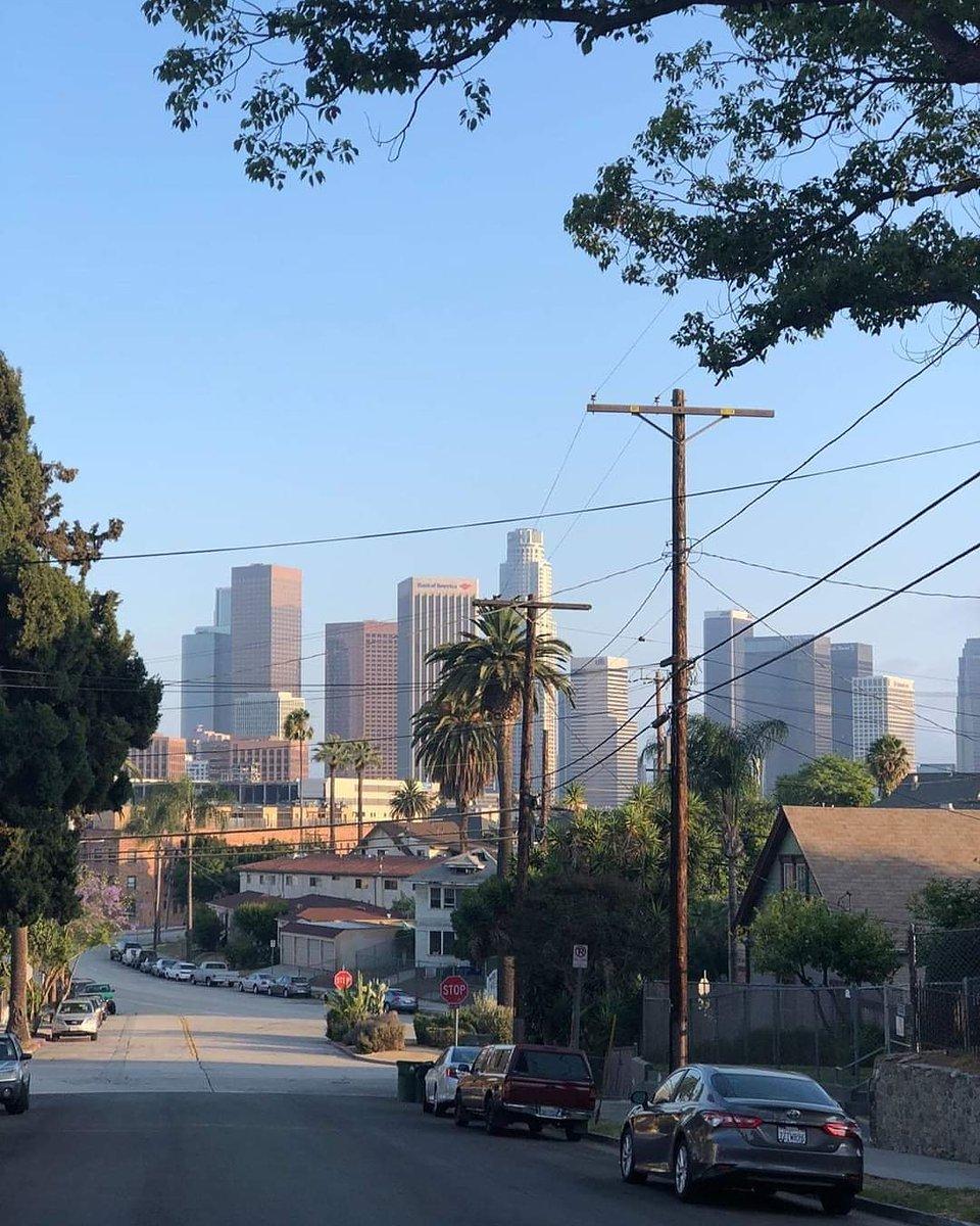 City of Angels #LA pic.twitter.com/iZ3ytVa2yL