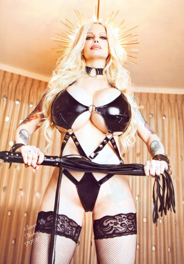 Boobs of the Day: @SabrinaSabrok Perfection... #Queen pic.twitter.com/MpCRb2Pq89