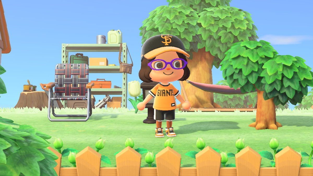 The first thing I did after getting my online account is get this jersey and hat. Thanks @bunnieeatmuffin for sharing these designs, I really love them! https://t.co/THHF1qkprc