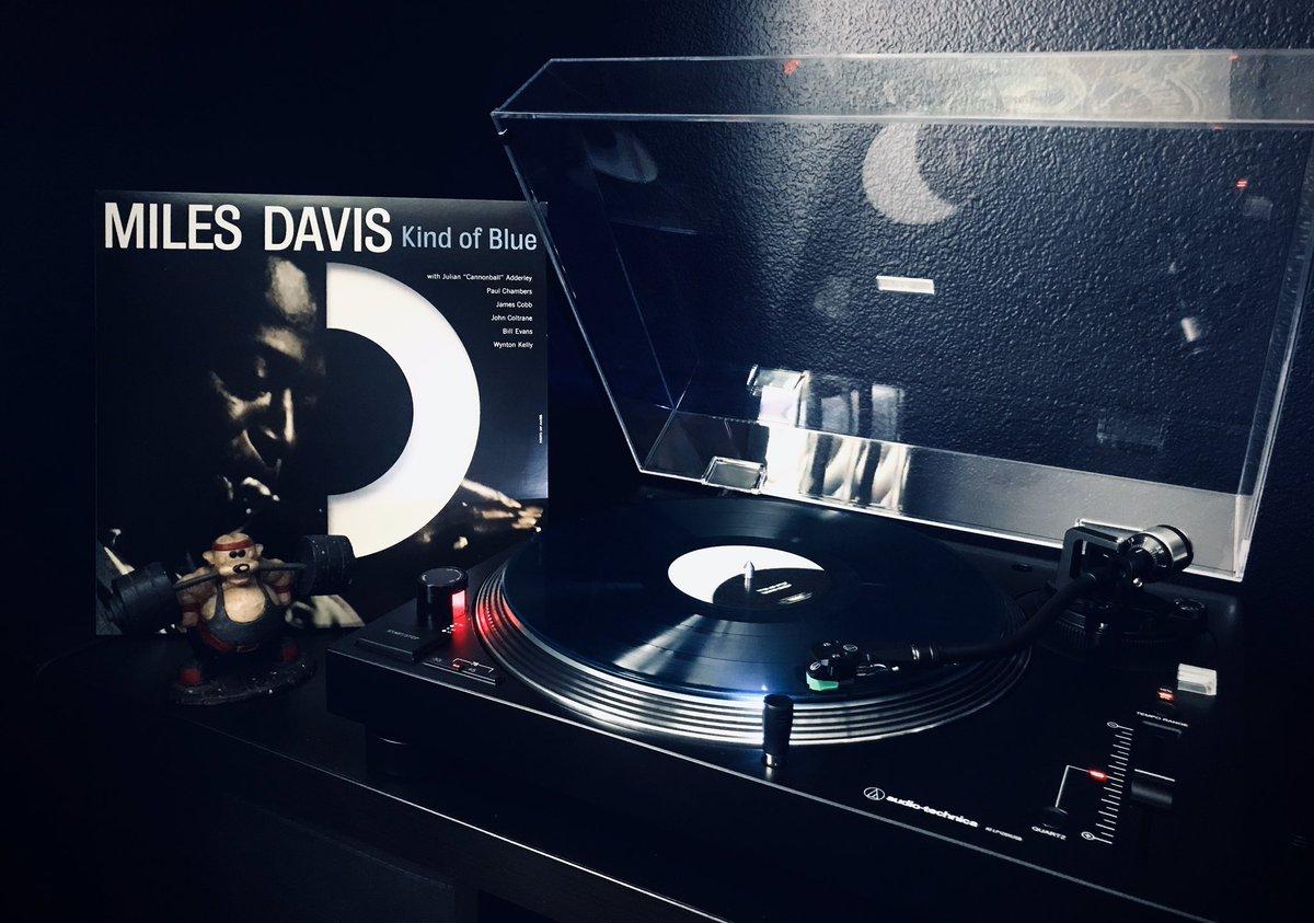 RIP Jimmy Cobb (drums) #MilesDavis #KindOfBlue #JimmyCobb  #vinyl #vinylcollection #vinylcommunity #vinylcollector #vinylrecords #vinyljunkie #vinyladdict #vinylcollectionpost #stayhome #selfquarantine #vinyloftheday #obsessedwithrecords #vinyllife #vinyllove #instavinyl pic.twitter.com/a5Jn8SAB2I