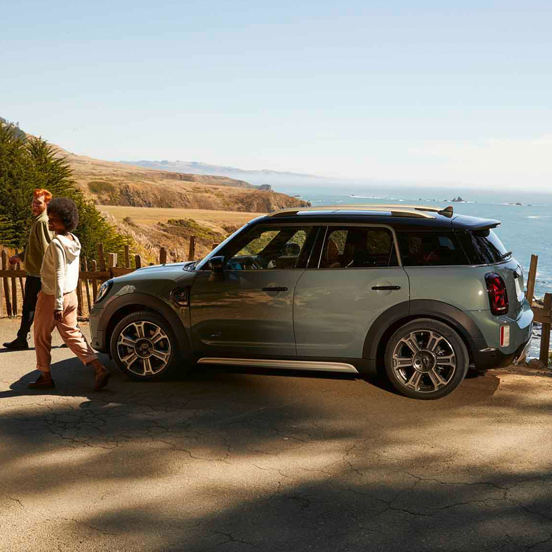 The new MINI Countryman has been revealed. Pricing, specifications and timings are to be advised for Australia. For more information, click below. https://t.co/3ed3H8ir7V https://t.co/vXZODMSvnZ