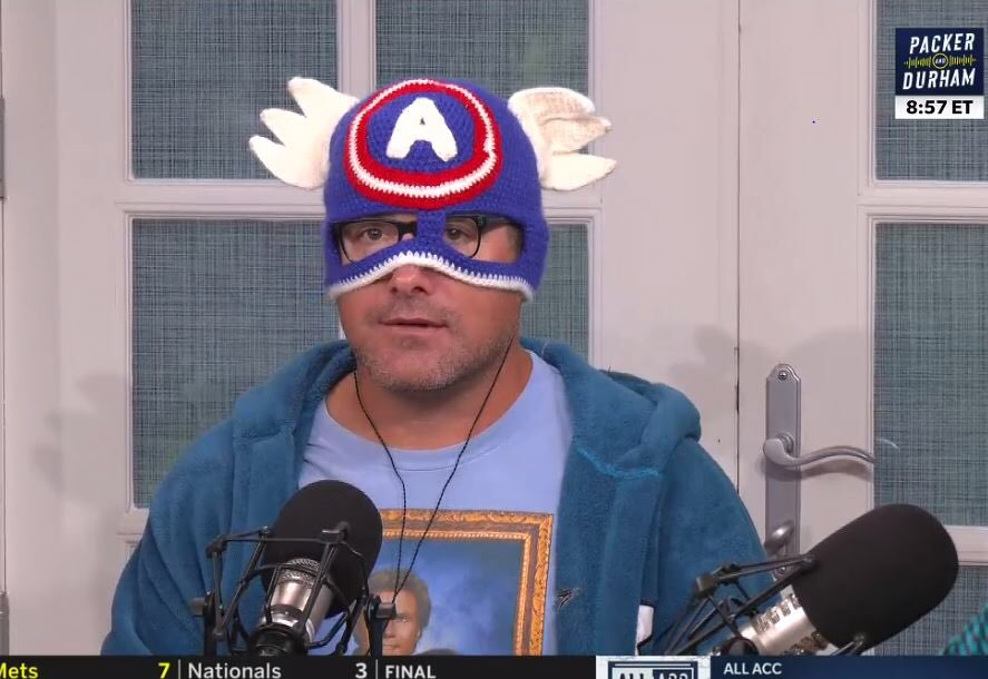 @DavePasch @TomLuginbill @espnSteveLevy Loogs has gotten salty in the last week...I think it has to do with shaving his beard and cutting his locks. But have you seen his mask game? #Strong