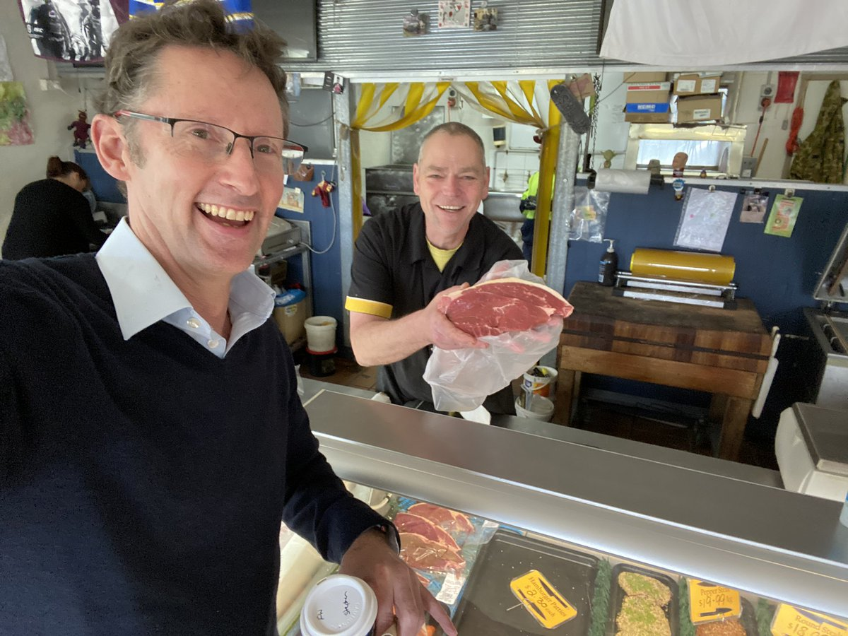 Dropped in to see Daryl at Robertson Village Butchers. He sorted me out with this bite sized snack for dinner. #supportsmallbusiness pic.twitter.com/qU9G4TcrFT