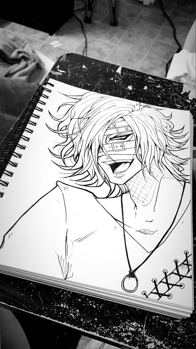 I've been having fun drawing Reita lately and I wanted to mess around with markers but now I don't wanna color the lineart cause it's so pretty...  #art pic.twitter.com/e9nfrPJEV3