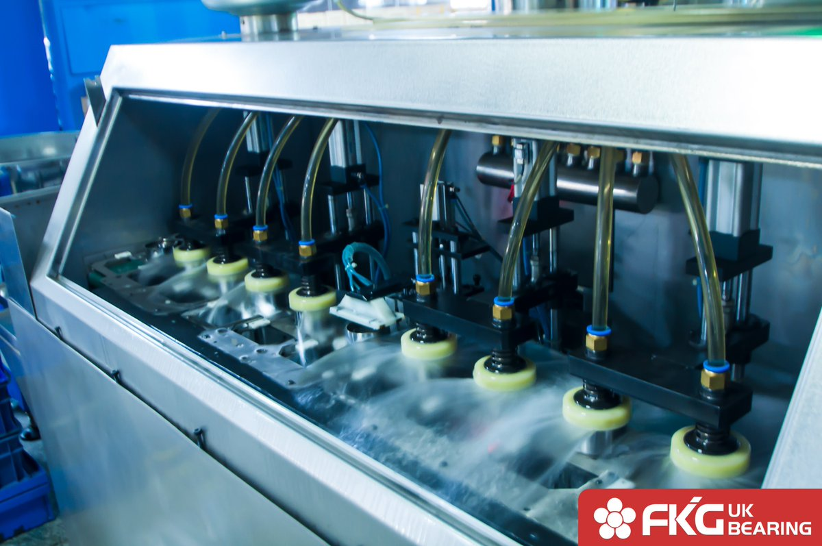 In the process of assembly, the cleaning of the parts is of great significance to improve the assembly quality and prolong the service life of the products. #FKG #autoparts #cleaning #bearingpic.twitter.com/emlZHfGqFI