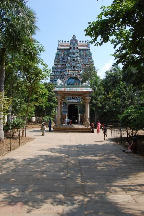 "#Trichy also emcompasses ""ThiruAnaikka"" (ThiruvAnaikkaval), one of the five main abodes (""Panchaboodha Sthalam"") of Lord Shiva. #ThiruvAnaikkaval is the House of #Water. pic.twitter.com/eVfJtEwBbh"