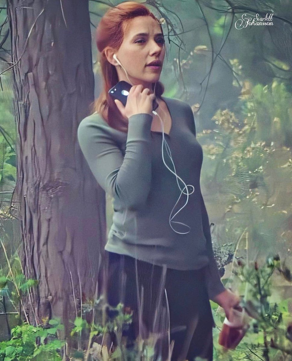 Pretty Natasha in the Russian forest, it's a fairy tale    #ScarlettJohansson pic.twitter.com/w3cnE4gHiQ