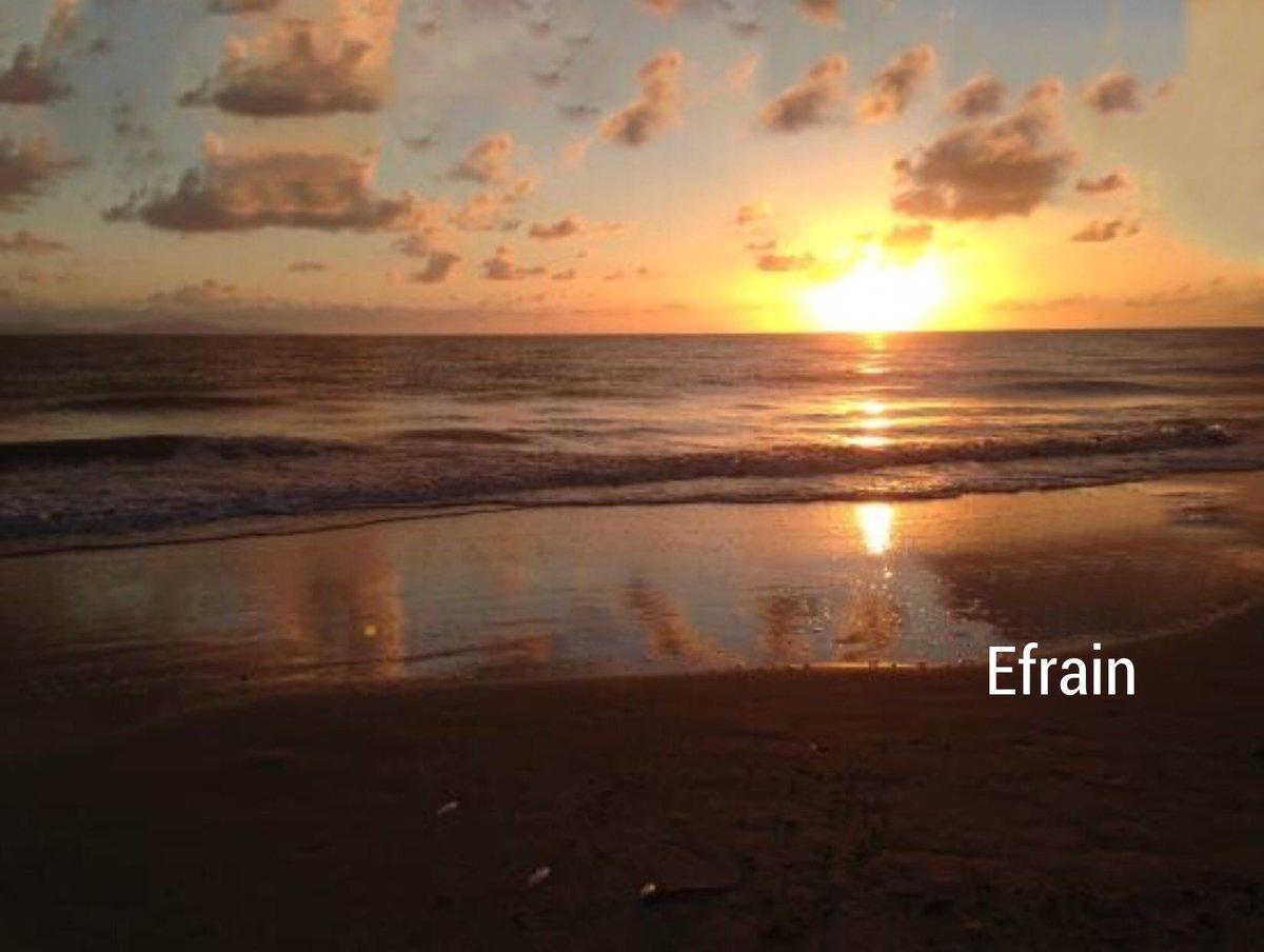 Wonderful evening and Good night to everyone     #Sunset #Surf #SaltLife #Playa #Ocean #VitaminSea   #Goodvibesonly #Love #Enjoytheviewpic.twitter.com/B7bEH44dYp