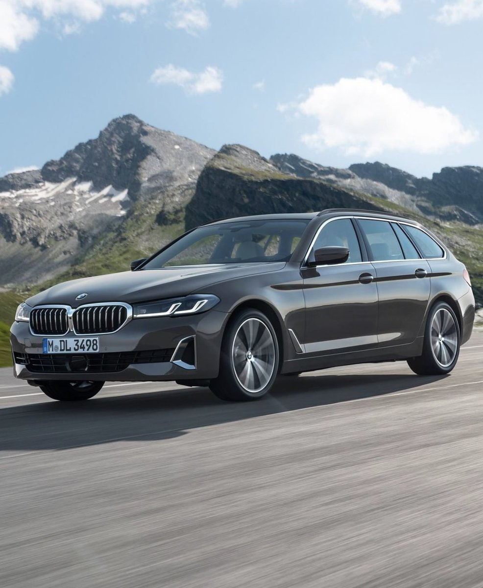 New #BMW 530 Touring  pic.twitter.com/zEoaIaNHIZ