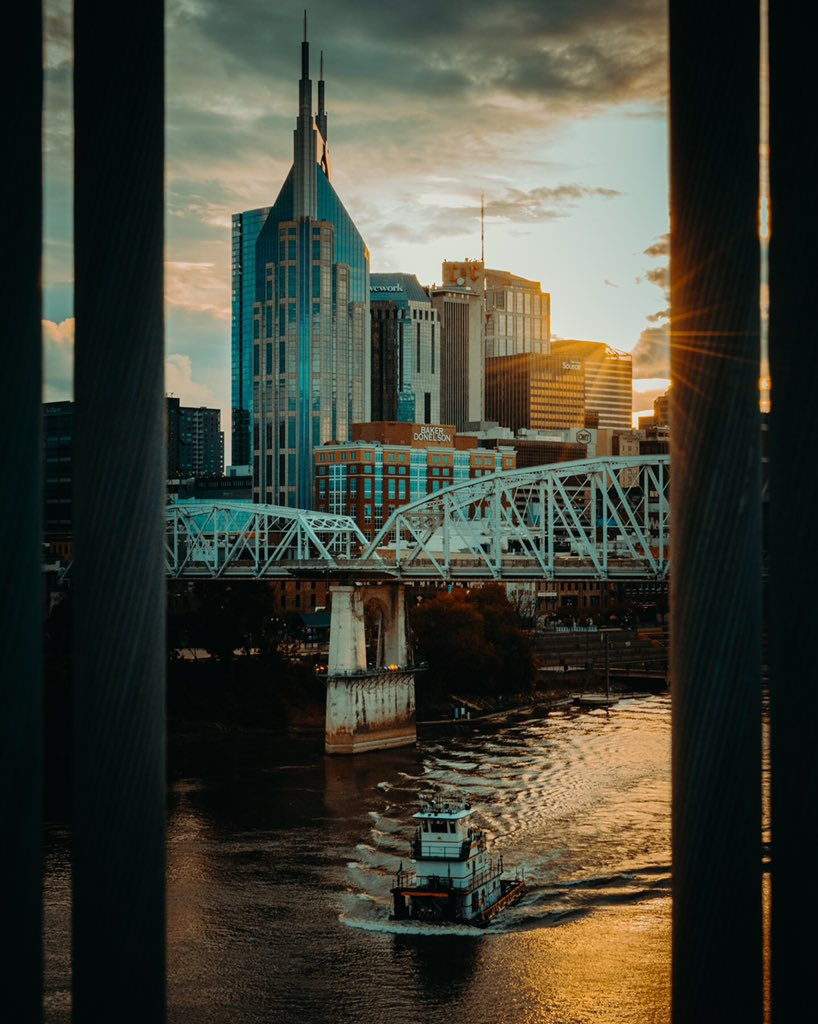 Love this city. #Nashville #photography #streetphotographer pic.twitter.com/yEqXx3gJM9