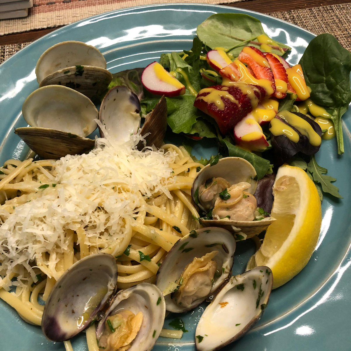 @Eidelweiss I solved this problem by making clam linguini in white wine garlic sauce.