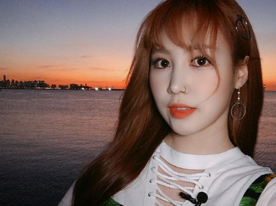 Jamie (Jimin Park) is coming on my radio show this Friday at 8AM KST!  As a surprise, I want to collect voice messages from fans around the world and let her hear them on air.  Please send in a short 15 second voice message (ENG or KOR) to gukbongshow@gmail.com https://t.co/myTBoGA3JG