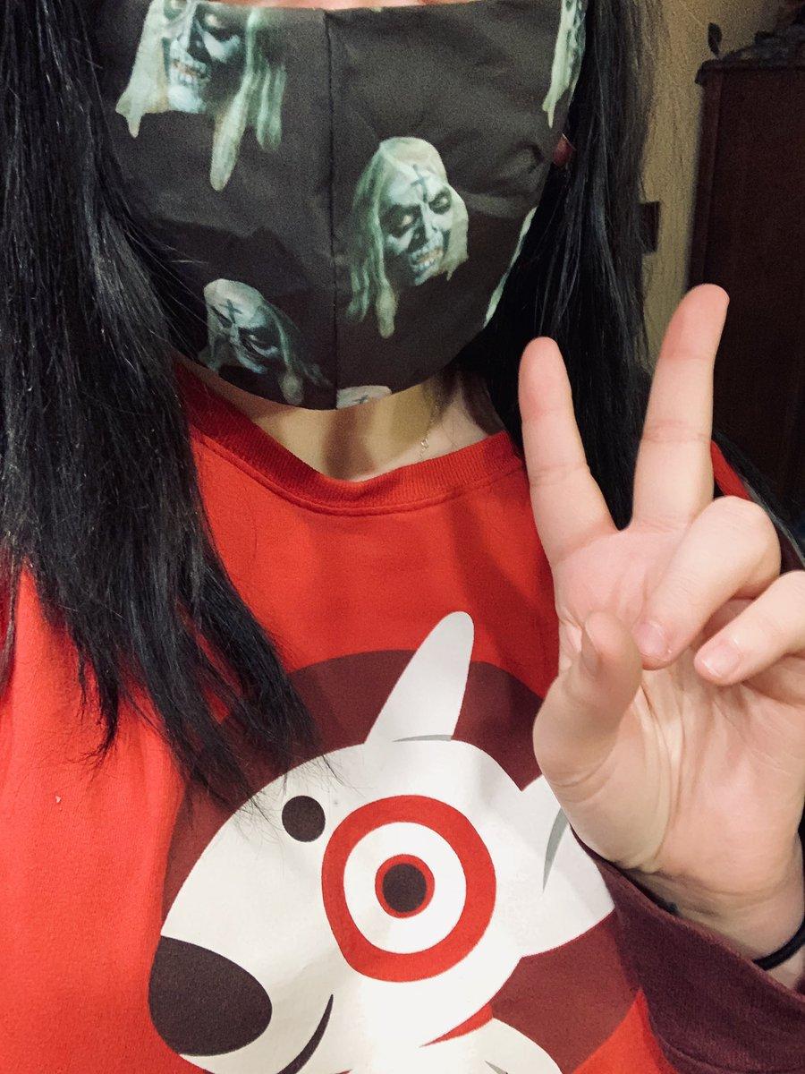 ignore my work uniform but 10/10 best mask ever @choptopmoseley
