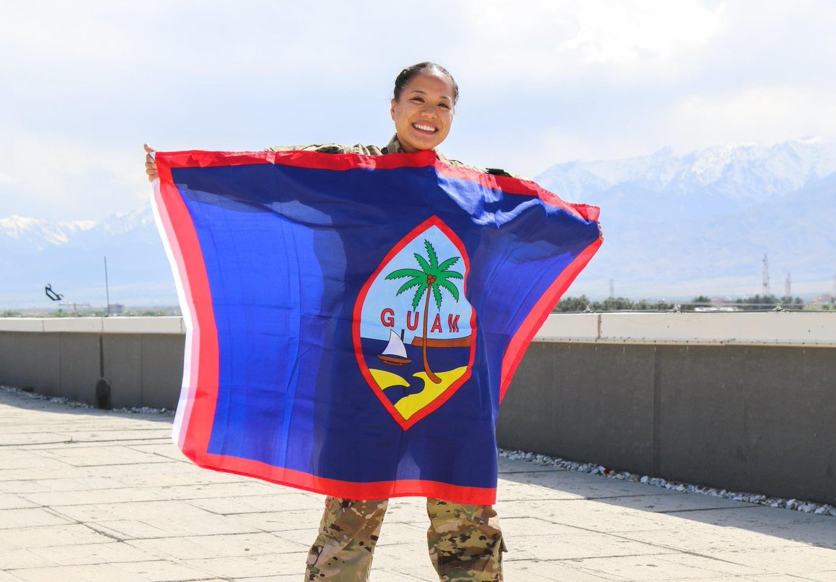 Asian American & Pacific Islander Heritage Month Spotlight: Sgt. Maria Bendele w/ 1AD Sustainment. Sgt. Bendele is Chamorro/Filipina and is proud of her heritage!    I am glad I can represent my Pacific Islander culture in the US Military.   #AAPIHM #Filipino #IronSoldierspic.twitter.com/h8XWz0y1jf