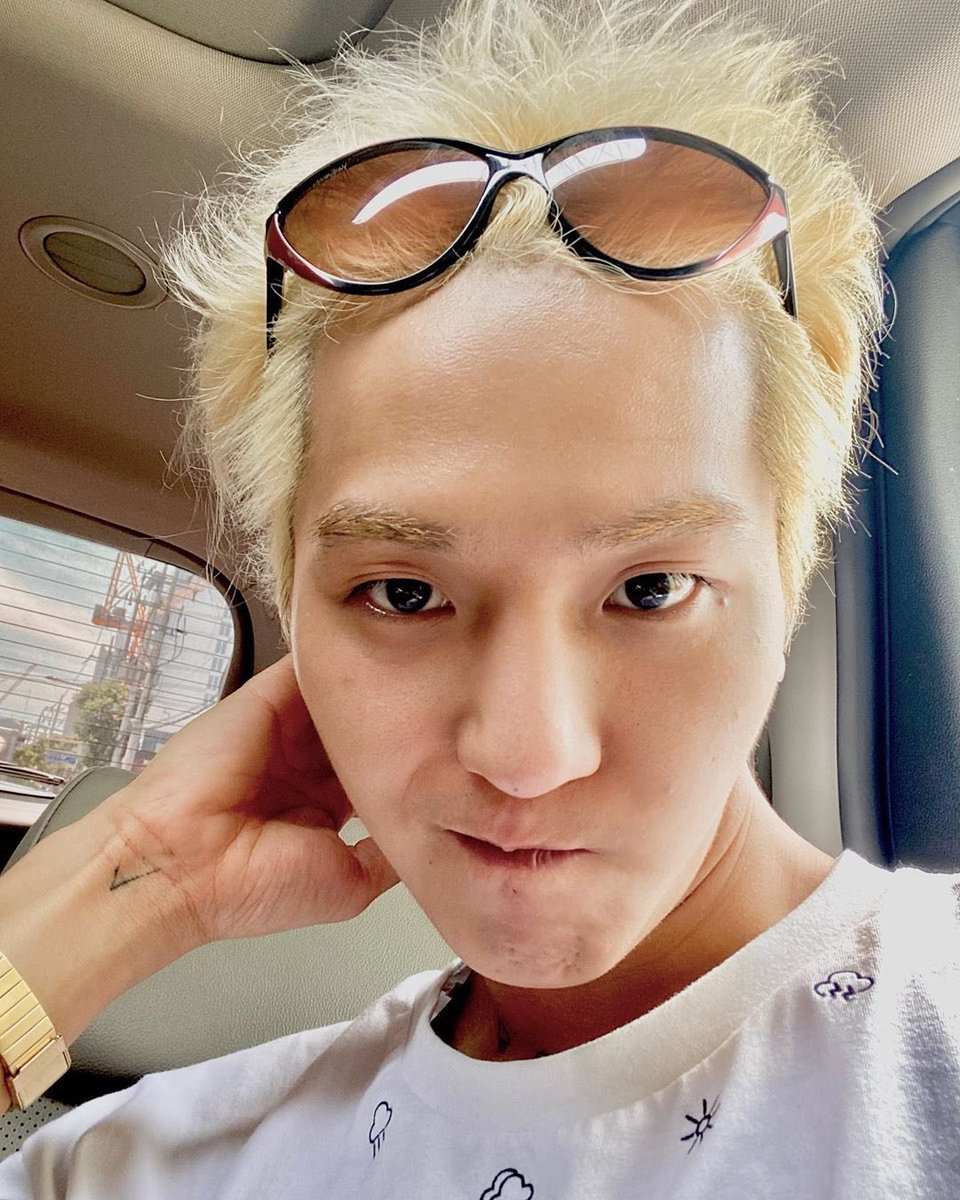 [!!] 200527 #MINO IG update  Have a good day 💛#송민호 @official_mino_  ▶️https://t.co/HiT9L0vrh3 https://t.co/fycPIXanl2