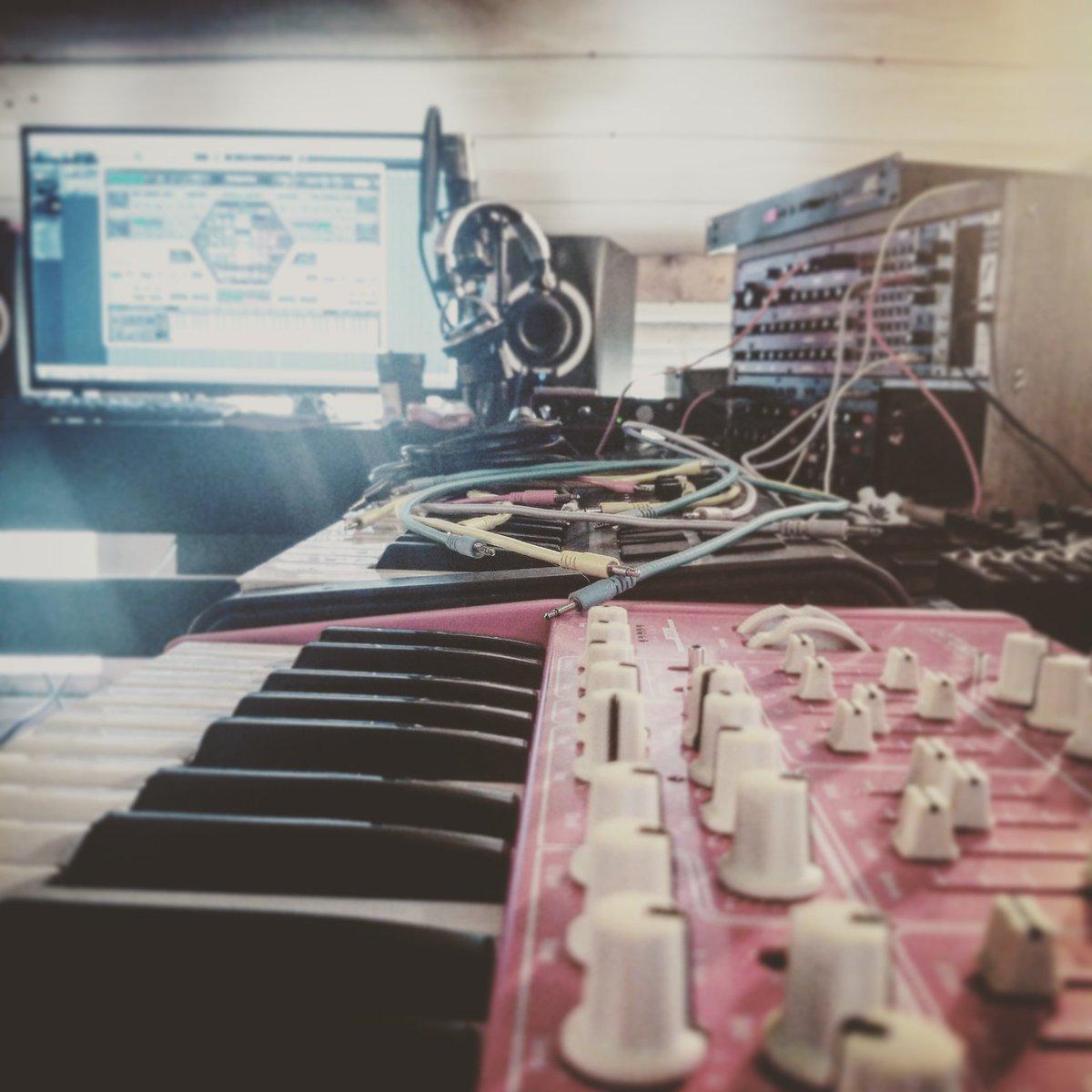 Busy week ahead #techno pic.twitter.com/QL6juFjoMr