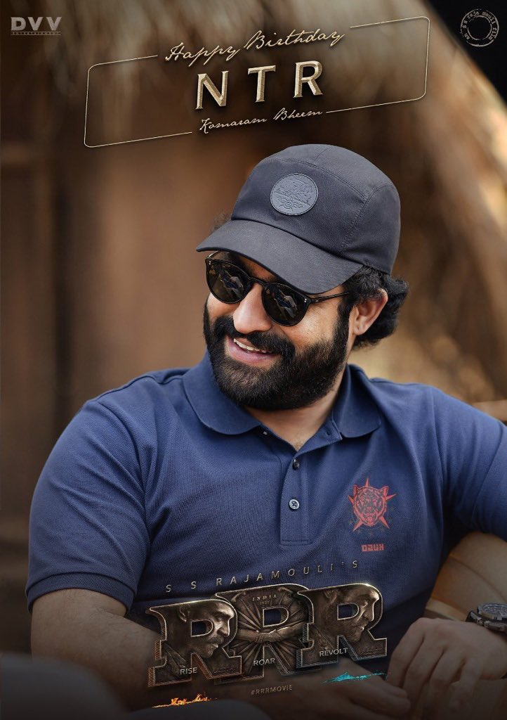 Many more happy returns of the day both of you anna@tarak9999 @HeroManoj1 you're the inspiration of us,  good hearted persons in #teluguindustry pic.twitter.com/EBaSYwwNHt