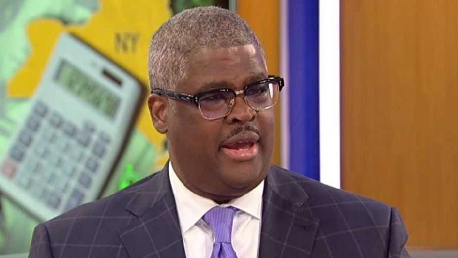 """Charles Payne Predicts Hybrid Between A """"V"""" & """"Swoosh"""" Shaped Recovery dlvr.it/RWzhyk"""