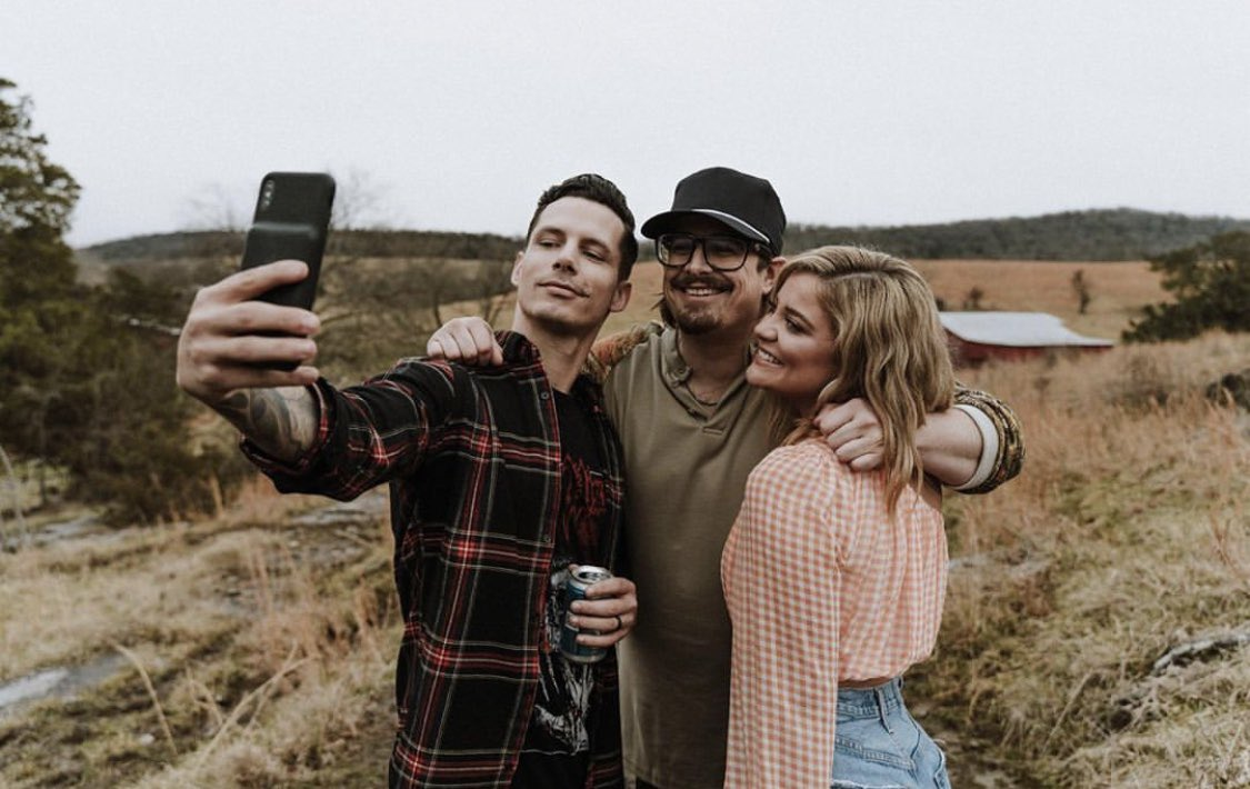 Really feeling caught up in the fields today. I had to steal this pic from Hardy's page to celebrate the #OneBeer music video getting THREE MILLION views. Cheers y'all. 🍻 @zdevin @HardyMusic
