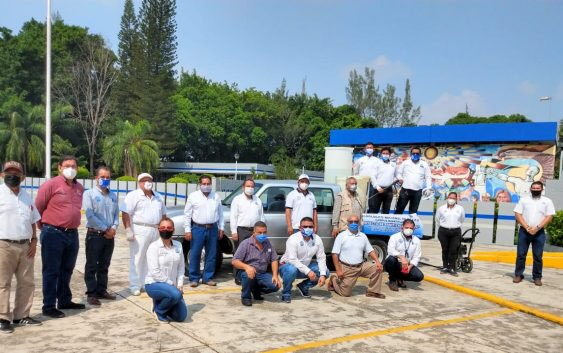 Gracias al trabajo conjunto entre el Instituto Tecnológicos de #Minatitlán y el Ayuntamiento que encabeza Don #NicolásReyes mÁlvarez, se realizó este martes la jornada de sanitización del Boulevard.   📎https://t.co/0OF4RjkTVr https://t.co/sZCl6dVAJj