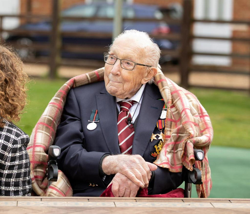 Record UK fund-raiser Colonel Tom Moore, 100, is knighted reuters.com/article/us-hea…