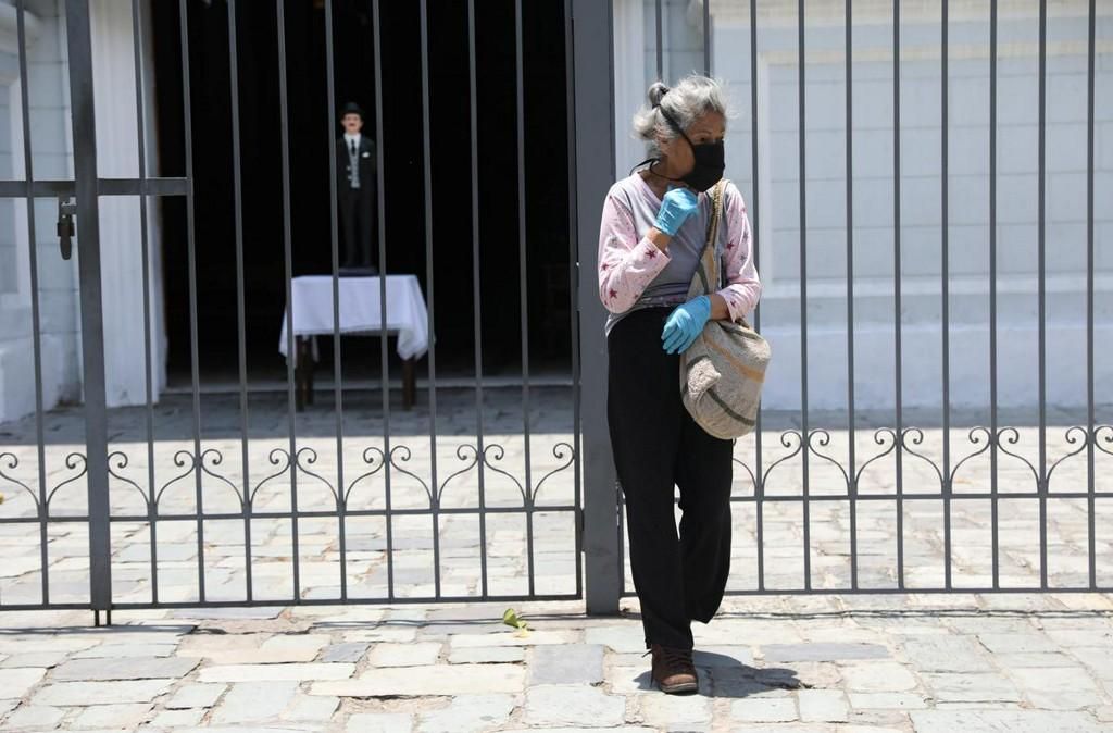 Venezuela announces border curfews as coronavirus cases jump reuters.com/article/us-hea…