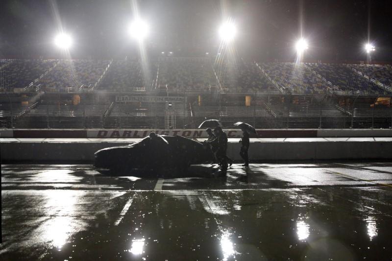 NASCAR Xfinity Series postponed due to rain reuters.com/article/us-mot…