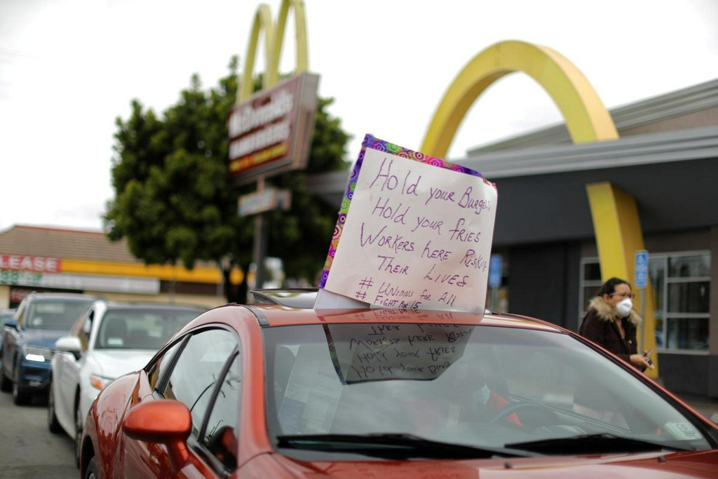 U.S. workers hit McDonalds with class action over COVID-19 safety reuters.com/article/us-hea…