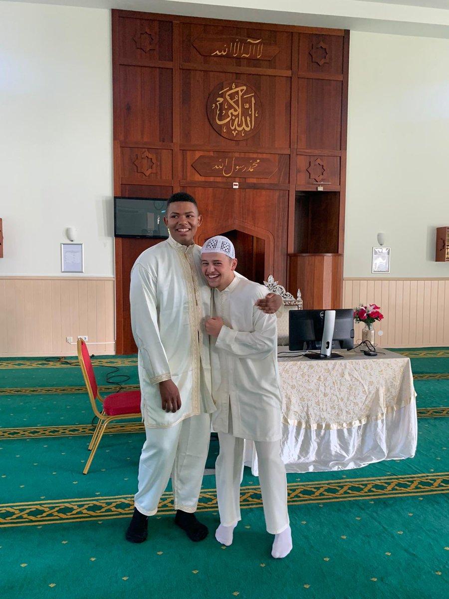 Finally converted to Islam this beautiful Ramadan ♥️✨