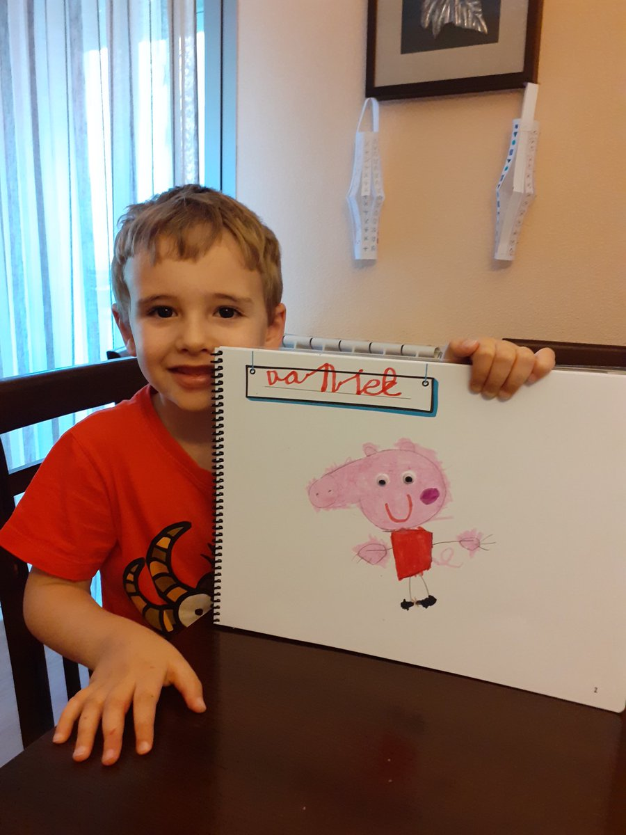 En 2º de #infantil siguen avanzando en el #proyecto y nos enseñan a sus personajes favoritos de #televisiónpic.twitter.com/STD3j39ZjT