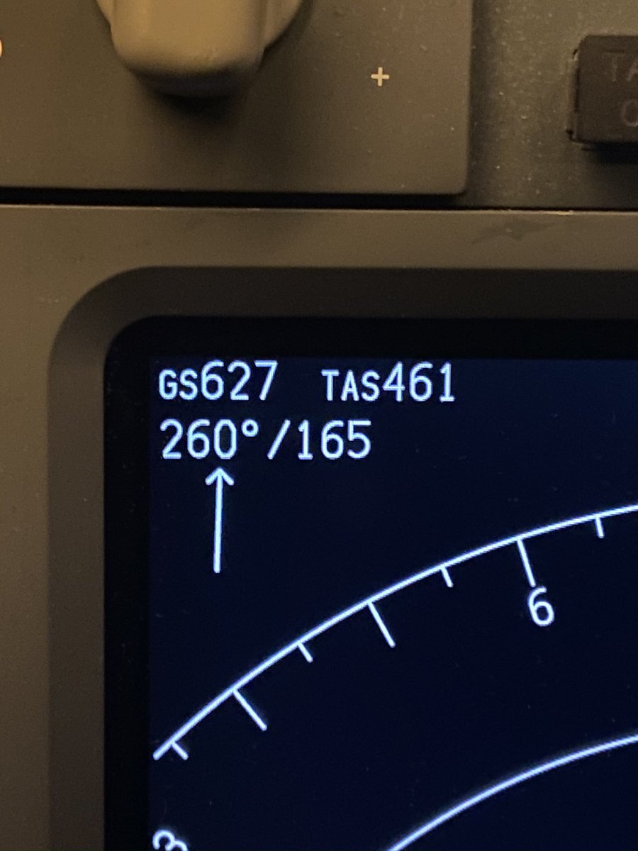 An impressive tailwind giving us an impressive ground speed a couple of months back - was pleased with that in my little 73! #pilotlife #boeing #speedypic.twitter.com/fGRCMbH86A