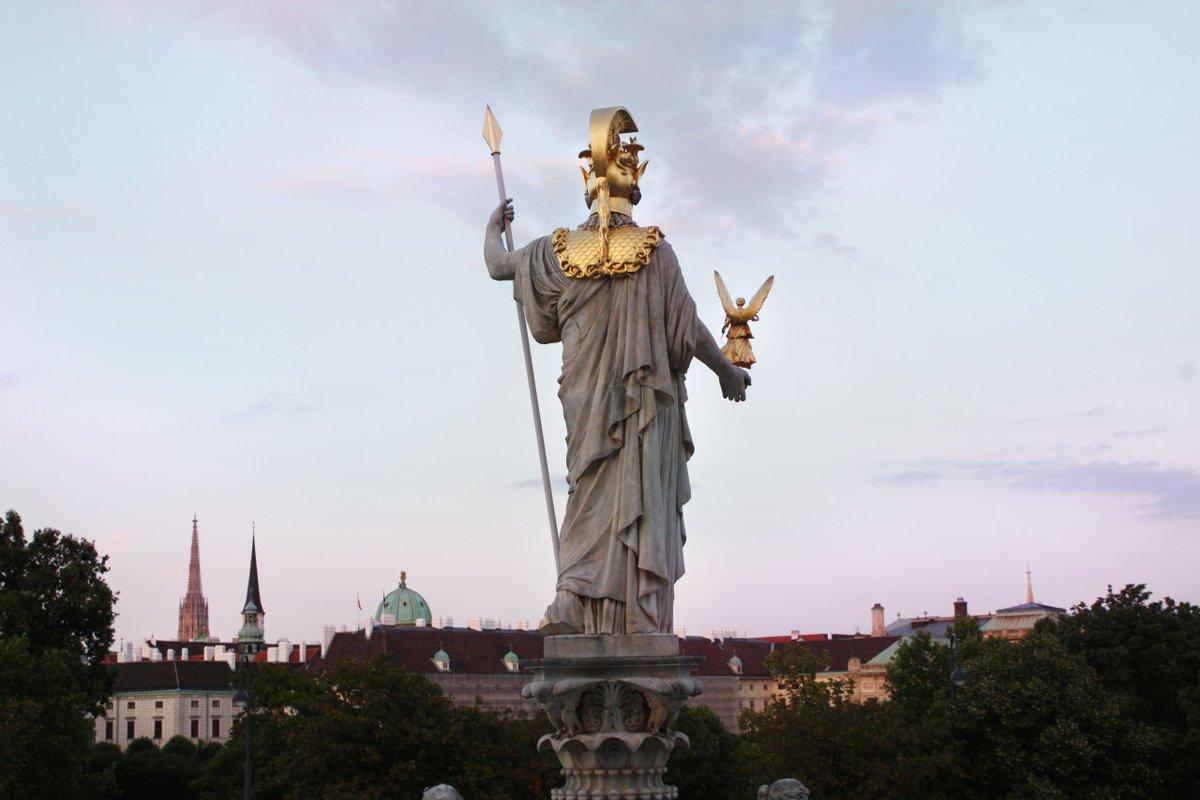 Pallas Athena    #Wien #Vienna #mythology #statue #österreich #fountain #Parliament #wienliebepic.twitter.com/lAMiLQDPQc