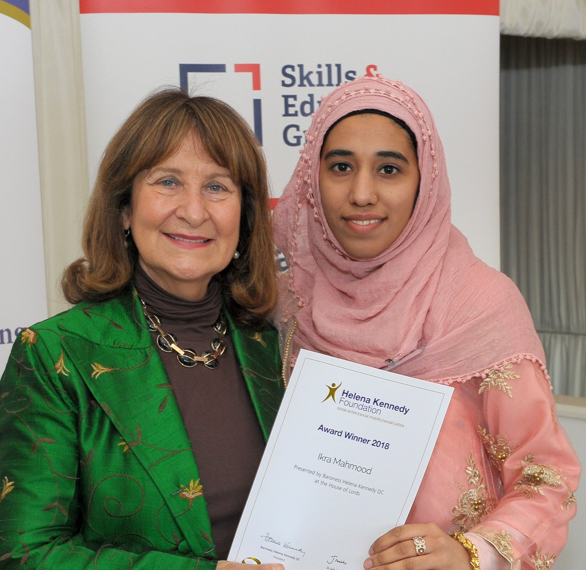 We are currently accepting applications for FE students going to @UniofNottingham in Sept 2020.  Ikra was one of our fantastic recipients in 2018 and recieved £2,250.  For more info and to apply please visit us at https://t.co/ktWkEqJBfK https://t.co/0OFKNX7AF9