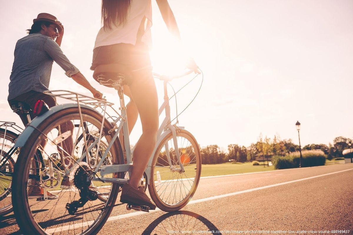 Heute ist der #TagdesFahrrads. Ausdauersportarten, wie #Radfahren #Laufen #Schwimmen oder #Wandern sind bei Asthma geeignet. Ausdauersport stärkt nicht nur #HerzundKreislauf, sondern führt auch zu einer größeren #Atemtiefe.