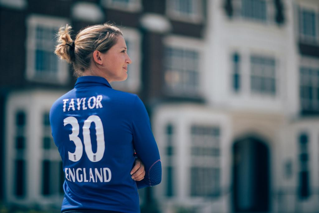 6,533 international runs  128 catches, 104 stumpings  2009 & 2017 Women's @cricketworldcup and 2009 Women's @T20WorldCup winner  ICC Women's T20I Cricketer of the Year in 2012 & 2013  ICC Women's ODI Cricketer of the Year in 2014  Happy birthday to Sarah Taylor!<br>http://pic.twitter.com/I2KUvMdfMD