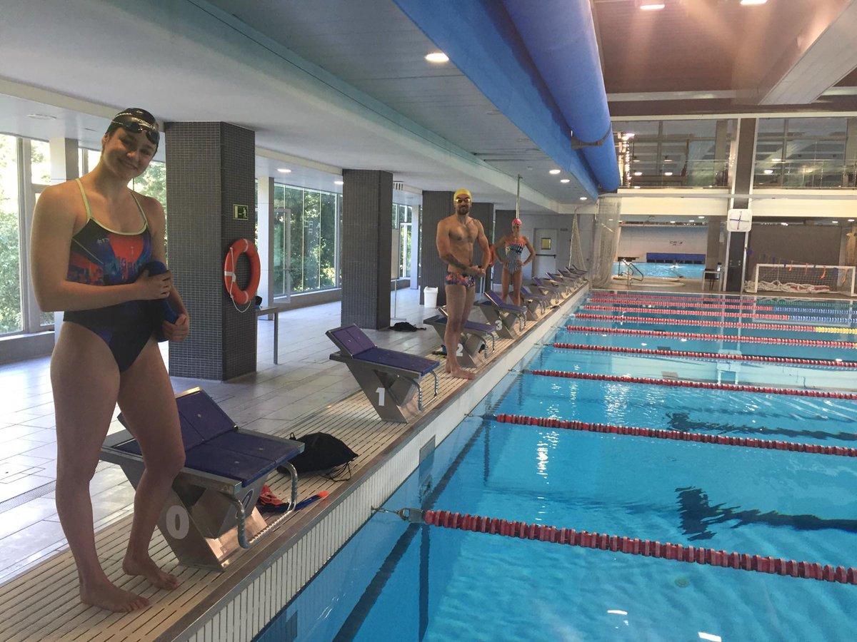 Alguns dels becats d'Alt Nivell de #natació 🏊♀️ 🏊♂️ de la FCN ja estan nedant a la piscina del @CARSantCugat  #moltcontents 👏🏼👏🏼👏🏼 https://t.co/IWDUc0CYMh