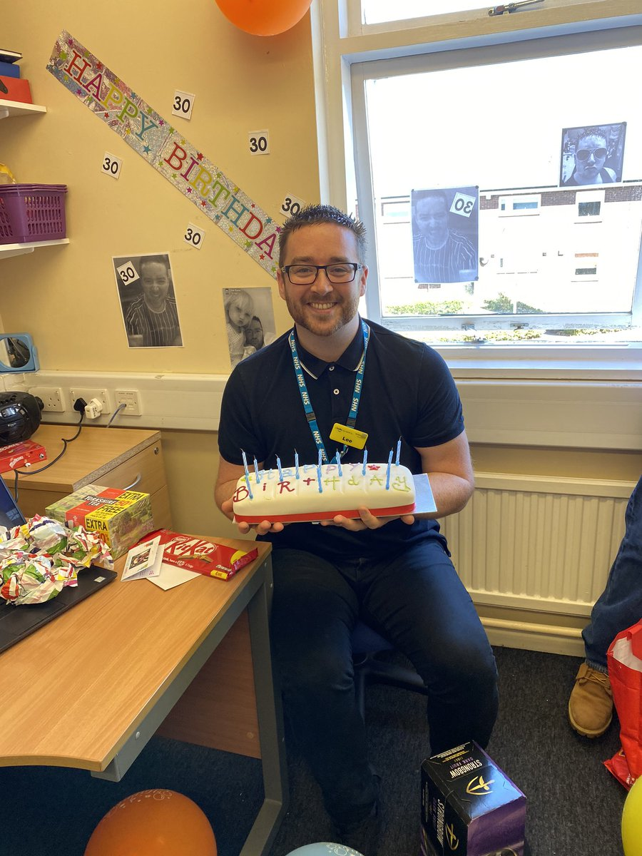 Today at lunch time we surprised our discharge facilitator Lee with a cake for his 30th birthday a very low key event due to COVID 19 but we couldn't let it pass without marking a milestone 🎂🎂🎂👏👏@NHSEnglandMedia @BlackpoolHosp #happy30thbirthday