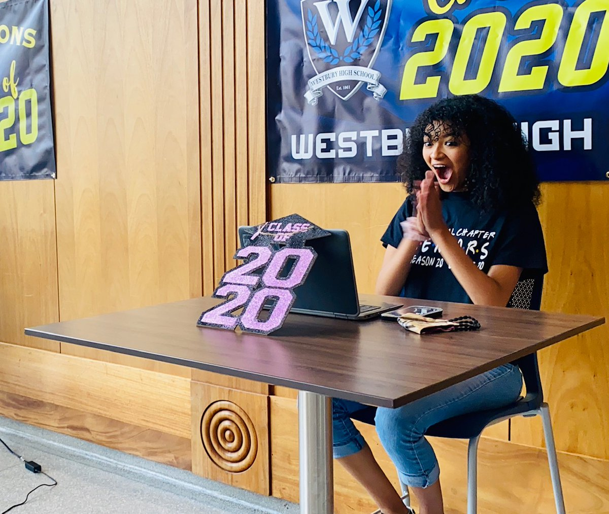 Replying to @WhenWeAllVote: That feeling when @MichelleObama hops on the zoom Join us in celebrating #PromChallenge winners @WHS_HUSKIES and the rest of the #Classof2020 this Friday at #MTVPromathon ✨  #TrumpVirus #Resist #HateLiberalsBiteMe