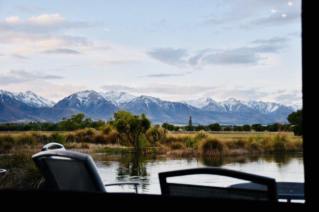 Newzealand day and night  #旅行好きな人と繋がりたい #写真好きな人と繋がりたい #ニュージーランド旅行 #ニュージーランド #newzealand #newzealandtrip #travel #mountains #山好きな人と繋がりたいpic.twitter.com/31ZWFuERNo
