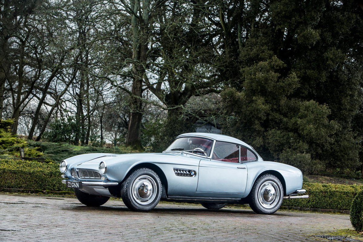 Albrecht von Goertz timeless design 1957 #BMW 507 Roadster with Hardtop  #70067 once owned by #JohnSurtees  Hans Stuck, Elvis Presley and Fred Astaire also owned one ©Bonhamspic.twitter.com/db7NSrh2vW