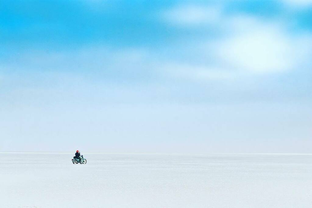Into the great wide open... #helmetstories  #rannofkutch #bucketlist #atimetoplan #motolife #gasolineculture #futuretravelpic.twitter.com/5px6N3MVyC