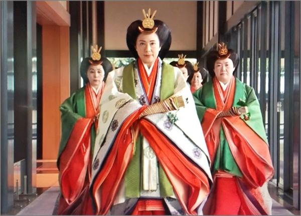 皇后 年齢