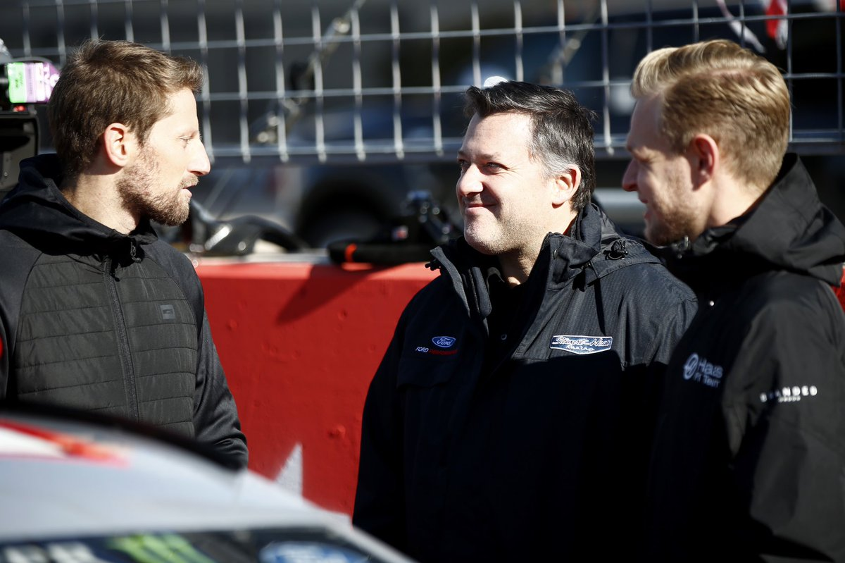 Birthday greetings to our friend @TonyStewart - have a good one Smoke! 🥳🎂🎉 #HaasF1 #F1 #Smoke #NASCAR #SHRacing https://t.co/z6Ux9zdduR