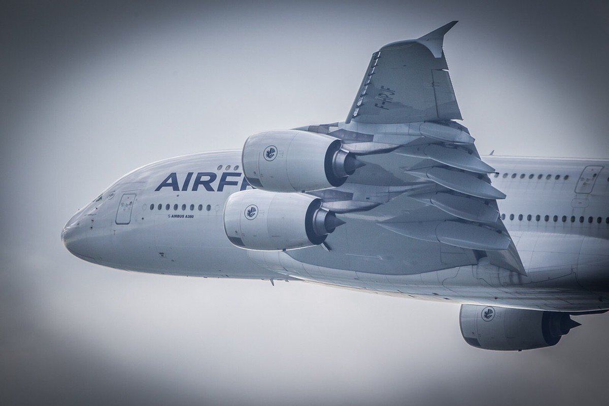 Pensées pour nos pilotes #A380 Partagez votre plus beau souvenir en #A380 Air France   📷Christophe Clamens https://t.co/WTOSW9NpLp