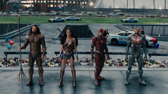 Justice League #TheSnyderCut: ¡#Estreno en #HBO MAX, en exclusiva, en 2021! ¡Jason Momoa y Ben Affleck consiguen su objetivo Release the F *** king Snyder Cut!  Va a suceder. El corte de Zack Snyder de...  NOTICIA  https://bit.ly/3cPczILpic.twitter.com/DXTitdRBsA