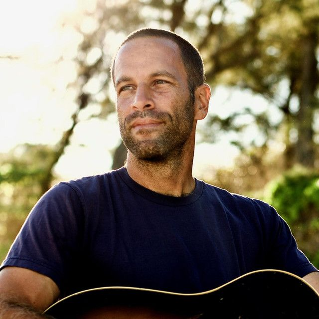 Tonight Jack Johnson is going live for a free music lesson on the #bose Instagram channel for #MusicGivesBack! BOSE will make a donation to @littlekidsrock and @DonorsChoose  #musiclesson #virtualgig @jackjohnson  👉 https://t.co/7K2x7jrrSZ https://t.co/JomP3b4Kd0